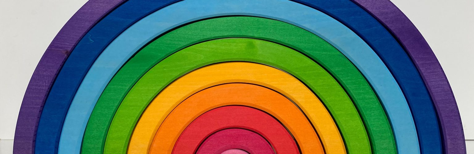 Bauspiel Giant Ranbow, cropped, photo by building with rainbows